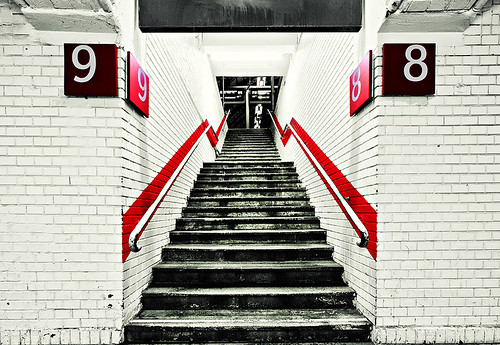 9/red\8 | by wecand
