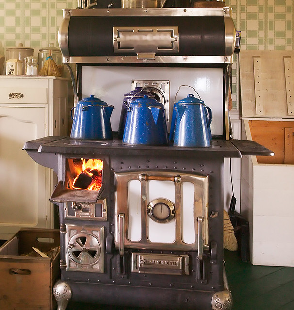 823 best Old cook stoves Cast Iron Pans images on Pinterest 35