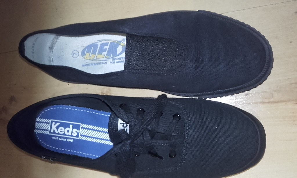 a7081ec3179 ... Plimsolls of the day 67- All black canvas Keds