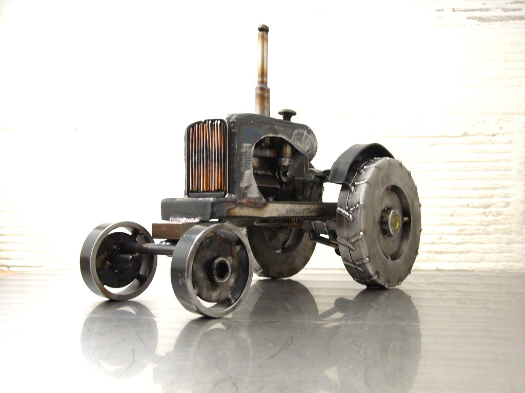 Metal Art Tractor : Metal sculpture of an allis chalmers tractor by josh welto