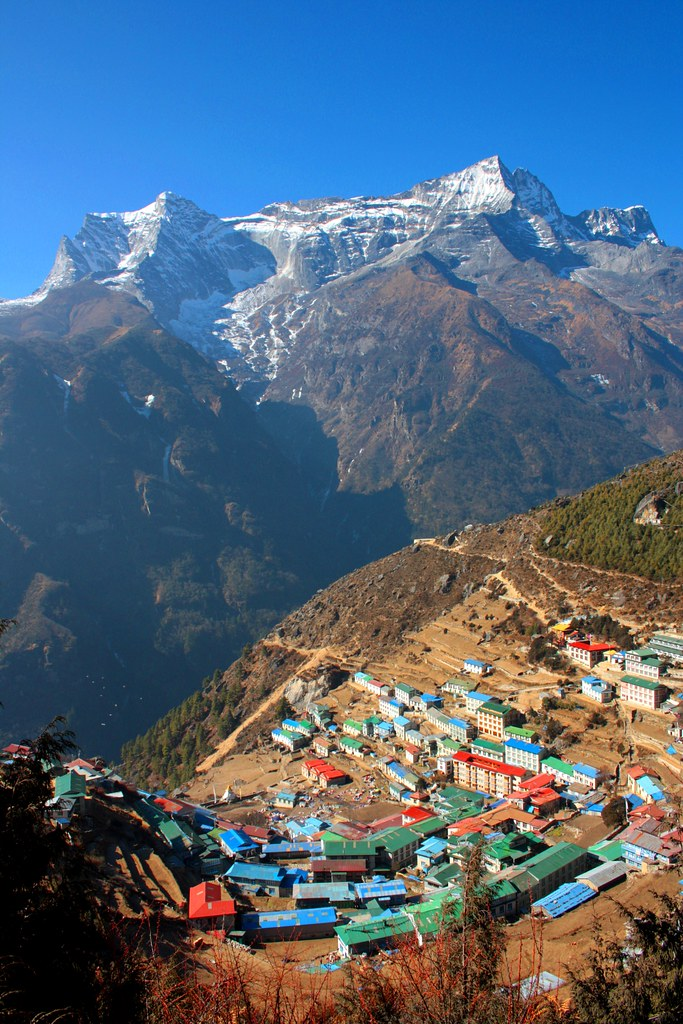 essay on beauty of himalayas Here is your short paragraph on the himalayan mountains the himalayan mountains are also known as the himadri, himavan or himachal the himalayas consist of the youngest and the loftiest mountain chains in the world.