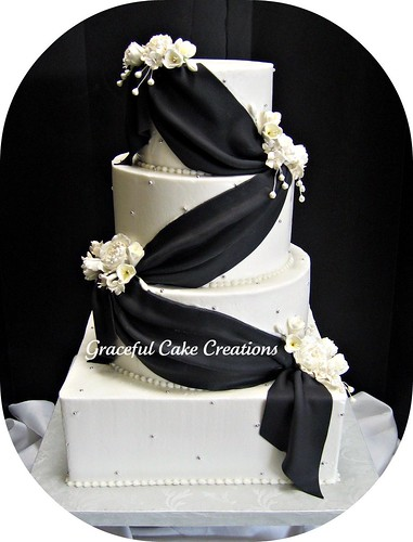 Fancy Wedding Cakes And Other Foods