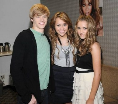lucas till, miley cyrus & emily osment. | MileyPictures ...