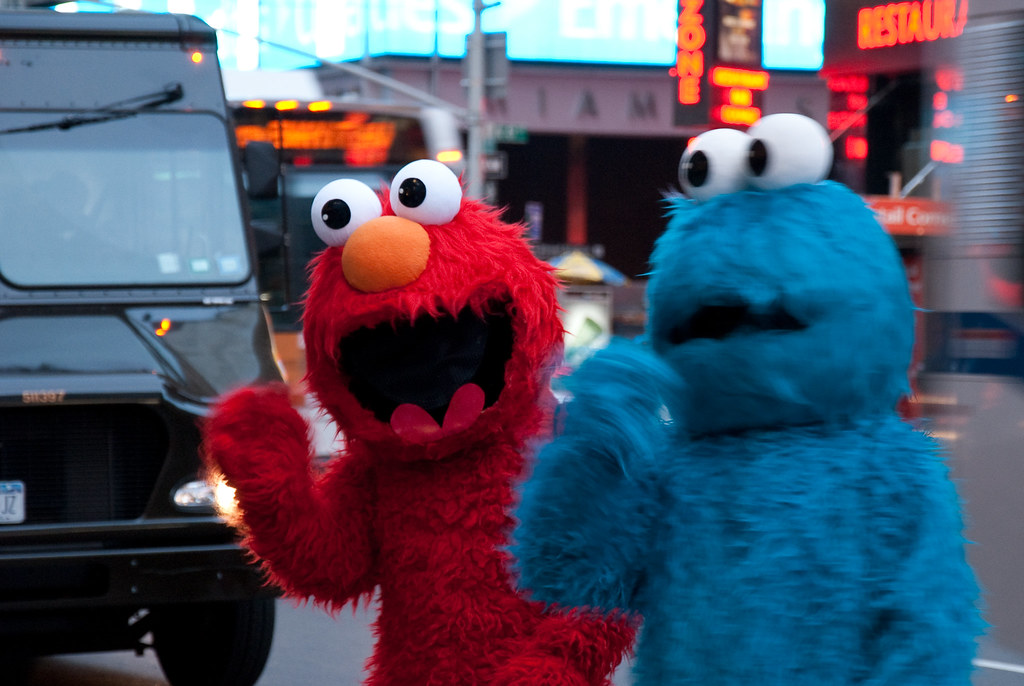 Elmo and Cookie Monster | Sesame Street characters Elmo ...