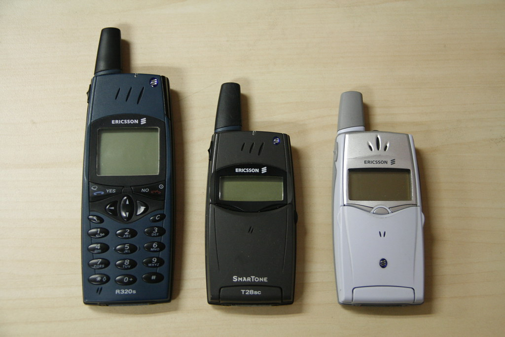 vintage ericsson phones from left to right ericsson r320 flickr