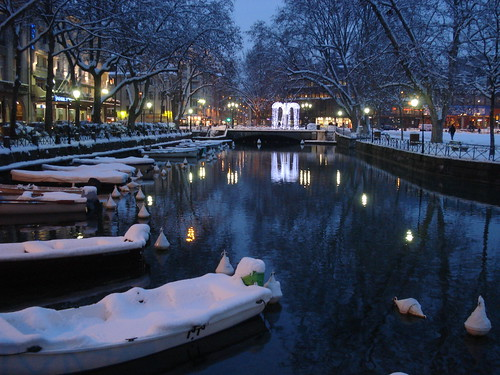 Boats at night in annecy france 1 boats in the canals - Boutique free annecy ...