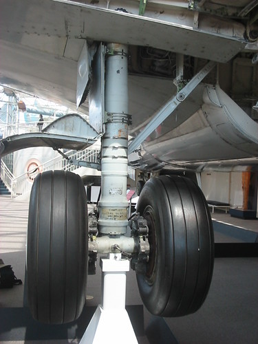 Boeing 737 300 Main Gear From Aft Port Side 101 0155