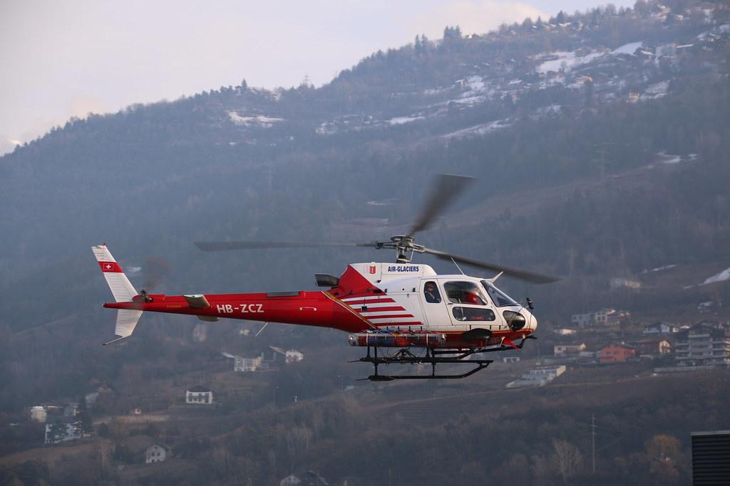 Aéroport - base aérienne de Sion (Suisse) 32950523231_08e58e7cd4_b