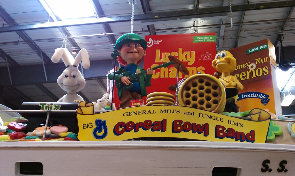 The singing cereal bowl band at jungle jim 39 s btw they for Jungle jim s bathroom photos