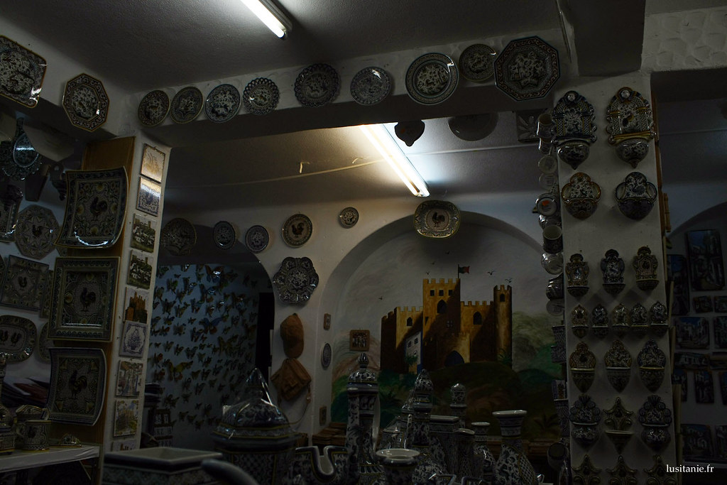 Boutique de souvenirs, richement décorée