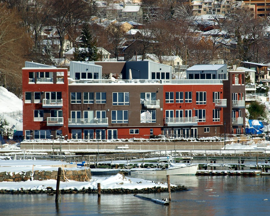 Vela waterfront town homes hudson river edgewater nj for Edgewater homes
