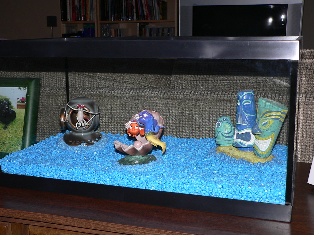 Fish in tank nemo -  Wdcc Finding Nemo Fish Tank Gang By Disneynorth