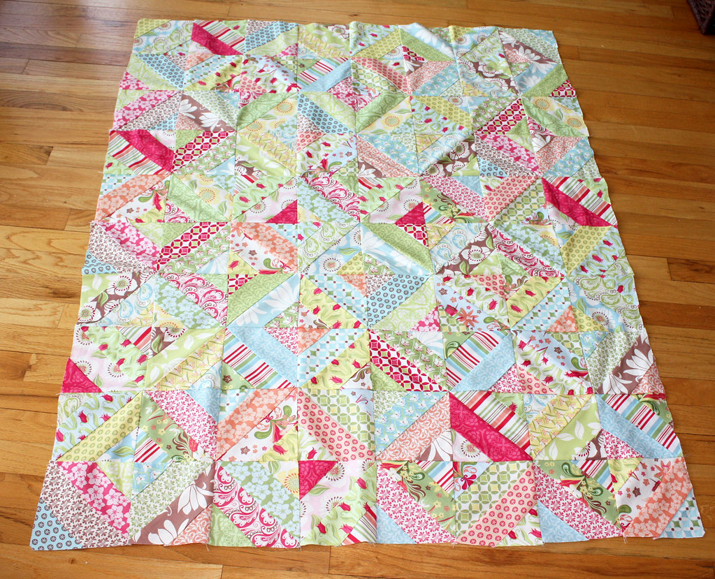 Verna garden trellis quilt top the top is finished i for Garden trellis designs quilt patterns