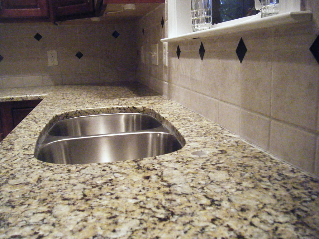 Granite Installation Santa Cecilia Countertop And Tile B Flickr