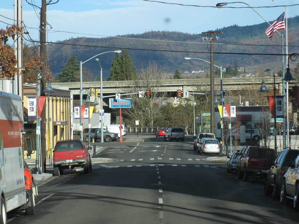 Medford Oregon This Downtown Area Definitely Feels Like