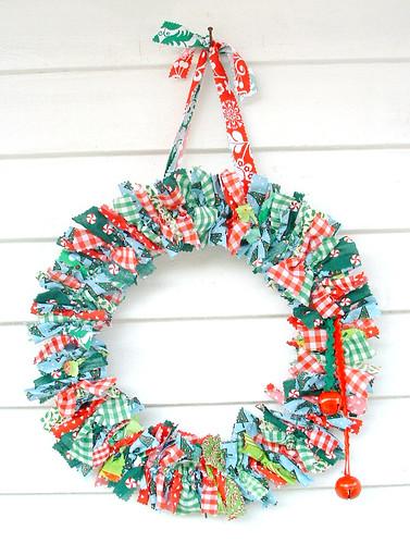 Decoration Noel Chute Vegetal A Led Pile