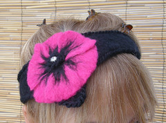LOVE PINK POPPIES...Needle Felted NECKLACE / CHOKER / HEAD BANDLOVE PINK POPPIES...Needle Felted NECKLACE / CHOKER / HEAD BAND | by Soo Sun