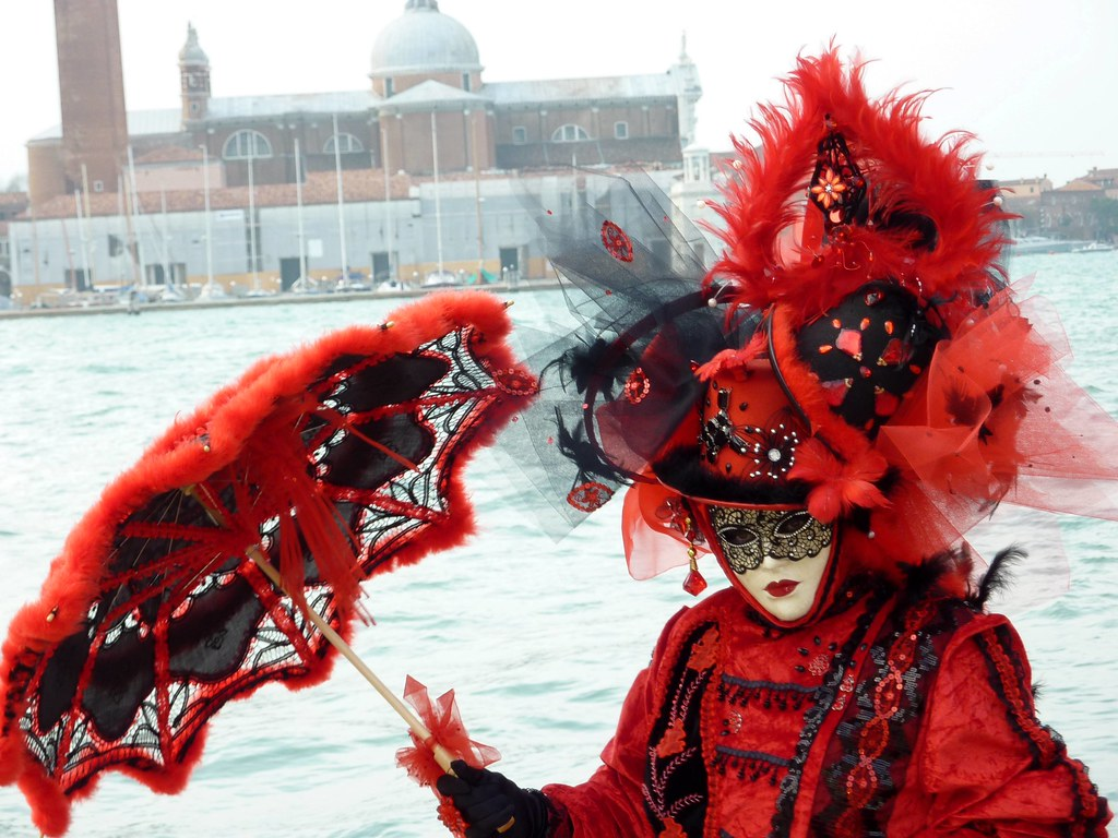 eve the lady in red near the canale di san marco waterfro. Black Bedroom Furniture Sets. Home Design Ideas