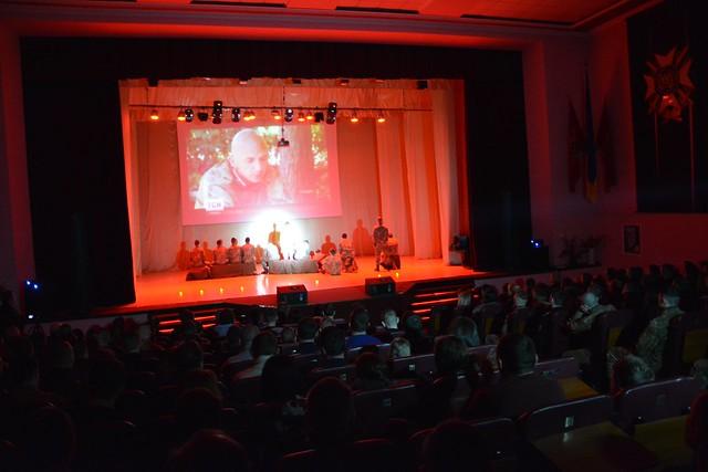 Благодійний вечір курсантів Академії СБУ у Львові відвідали матері загиблих Героїв Служби