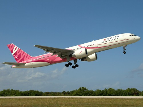 "Delta Airlines Boeing 757-232 N610DL ""Breast Cancer Awareness"" 