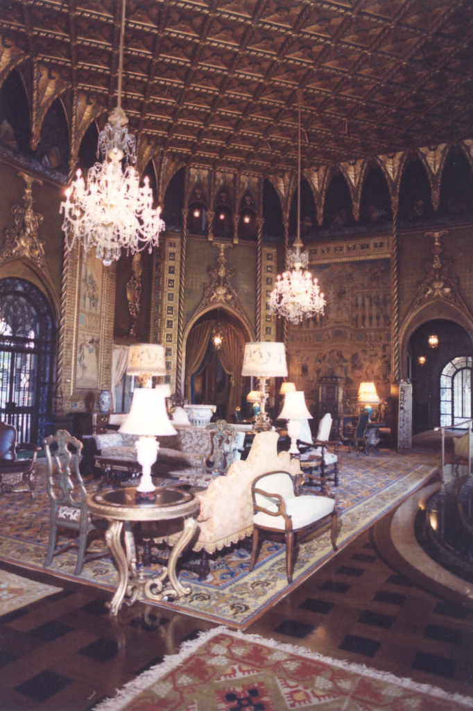 Mar a lago the palatial living room at mar a lago 1985 for Lago living room