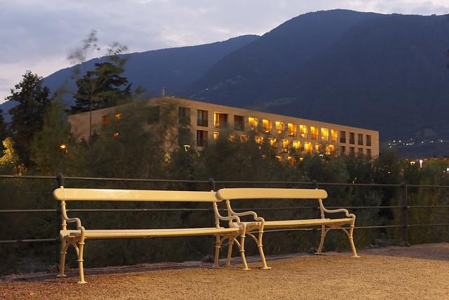 Meran architektur therme merano architettura therme for Azienda soggiorno merano