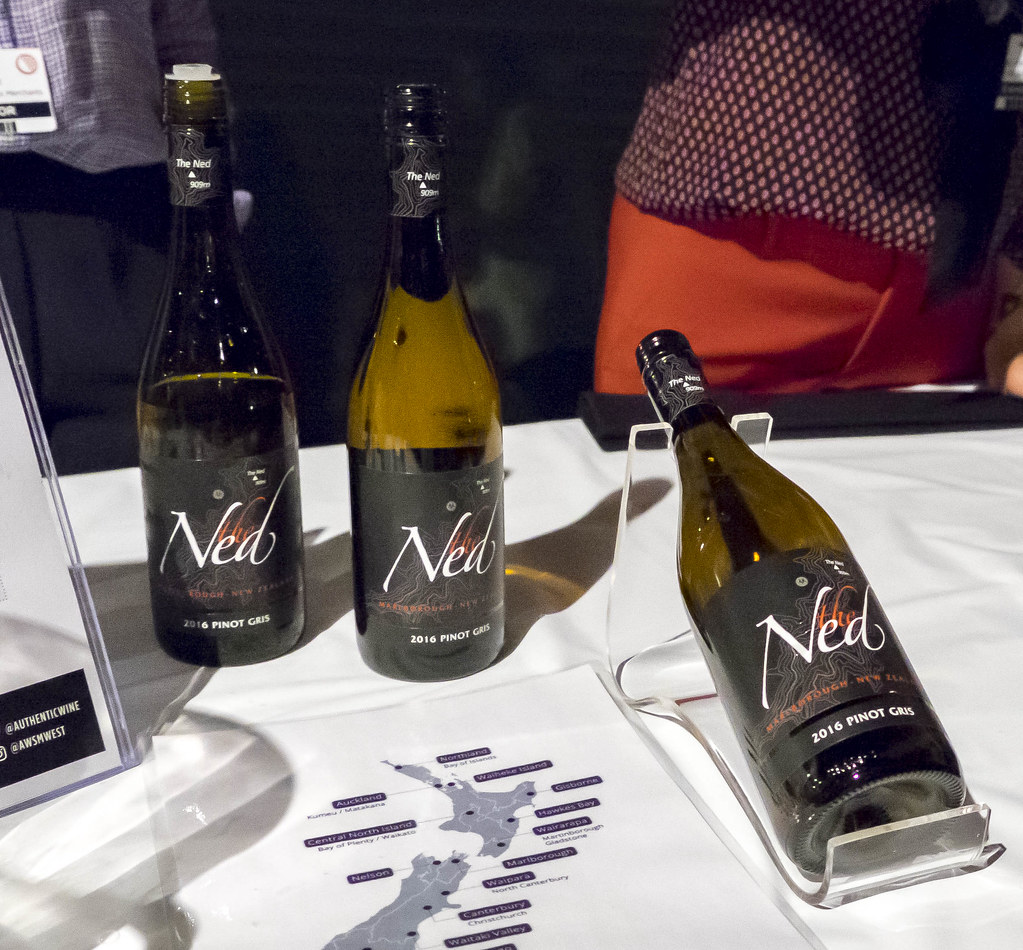 Nosh and Nibble - 25 Wines Under $25 - Vancouver International Wine Festival 2017 #foodie #foodporn