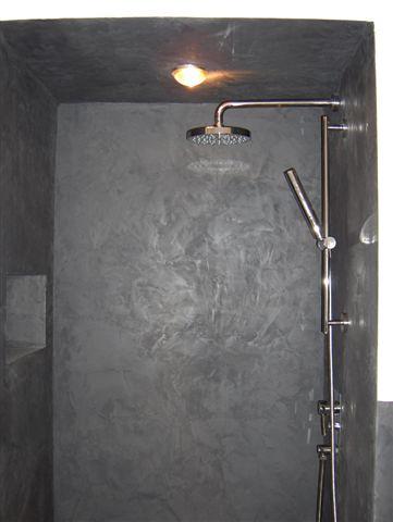 Douche l 39 italienne et plafond effet b ton cir en enduit - Enduit cire salle de bain ...