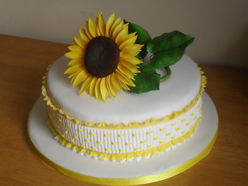 Sunflower Cake Baileys Flavored Sponge Buttercream Suga Flickr