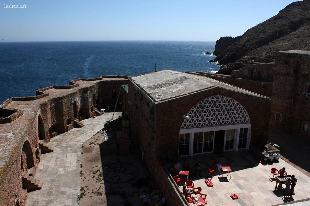 Il y a un restaurant dans ce fort, qui sert aussi d'hôtel