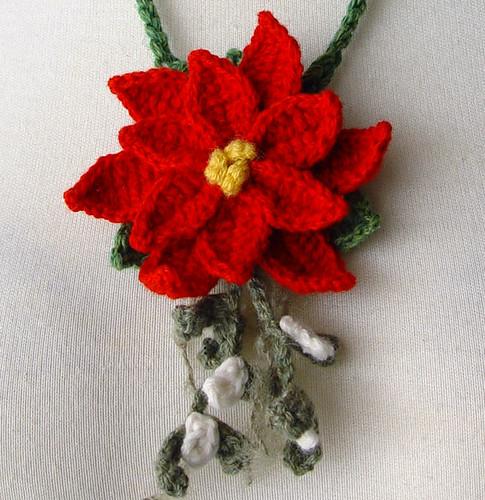 crochet red poinsettia mistletoe necklace Sandy Meeks ...