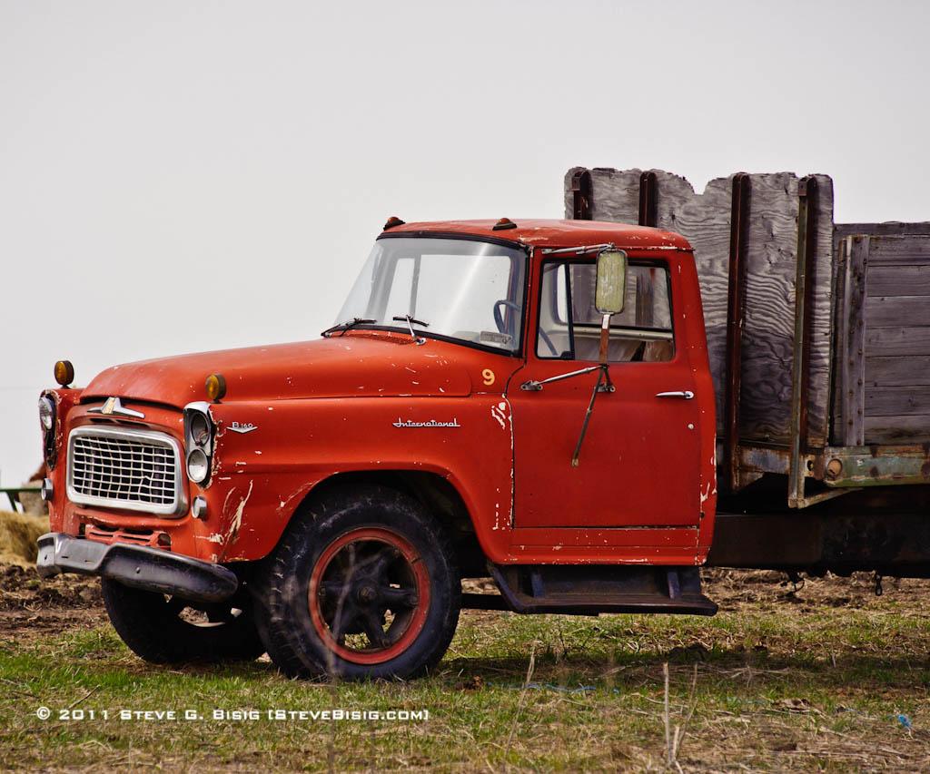 Antique International Harvester Wagon : International harvester b flatbed farm truck an old