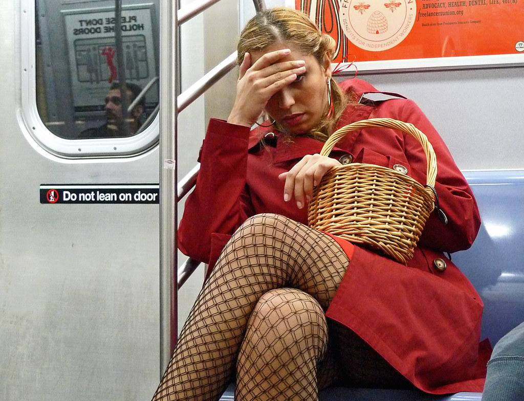 Фото в автобусы дівчата 9 фотография