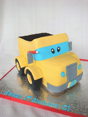 Dump Truck Cake Design : Dump Truck Cake Construction Pals cake to match the ...