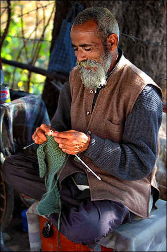 Sudamu knows knitting well ... | by Henk oochappan