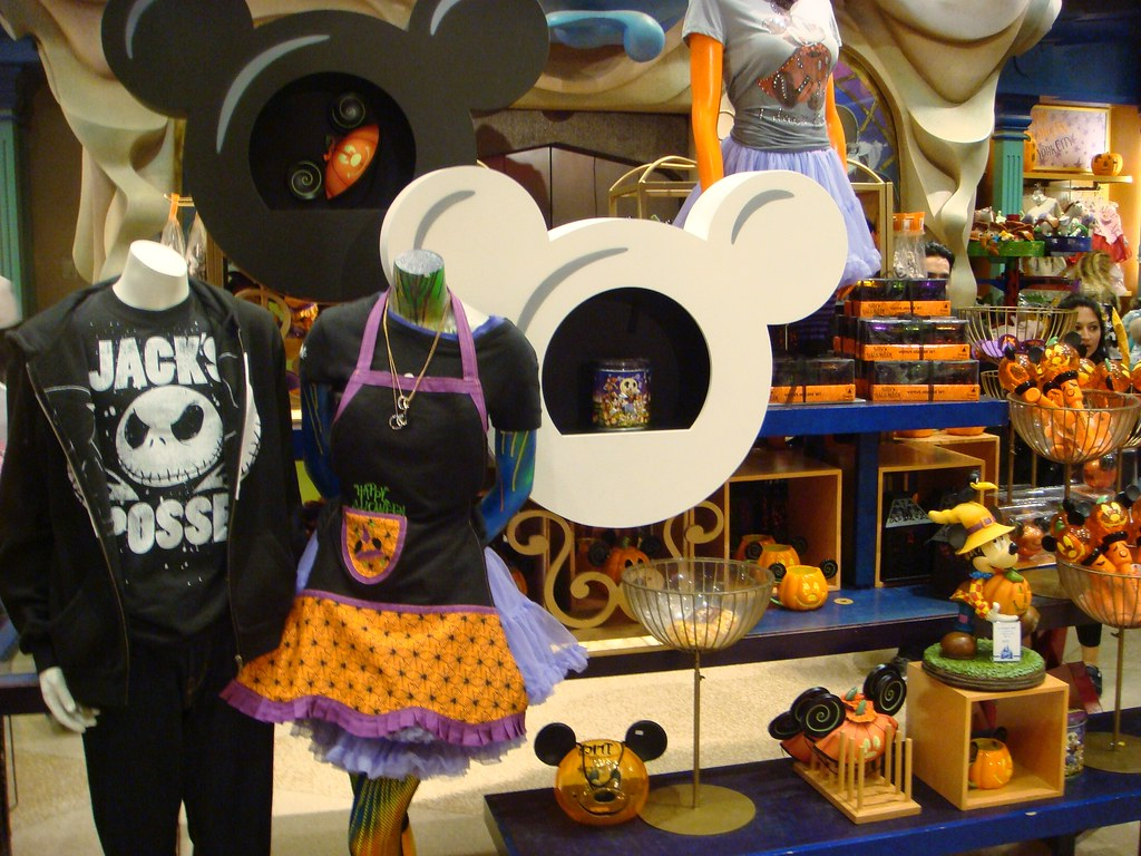 disney halloween merchandise | world of disney store new yor… | flickr