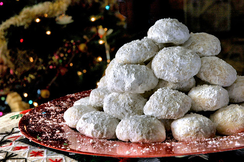 Kourabiedes (Greek Christmas Cookie) | by Planet Love