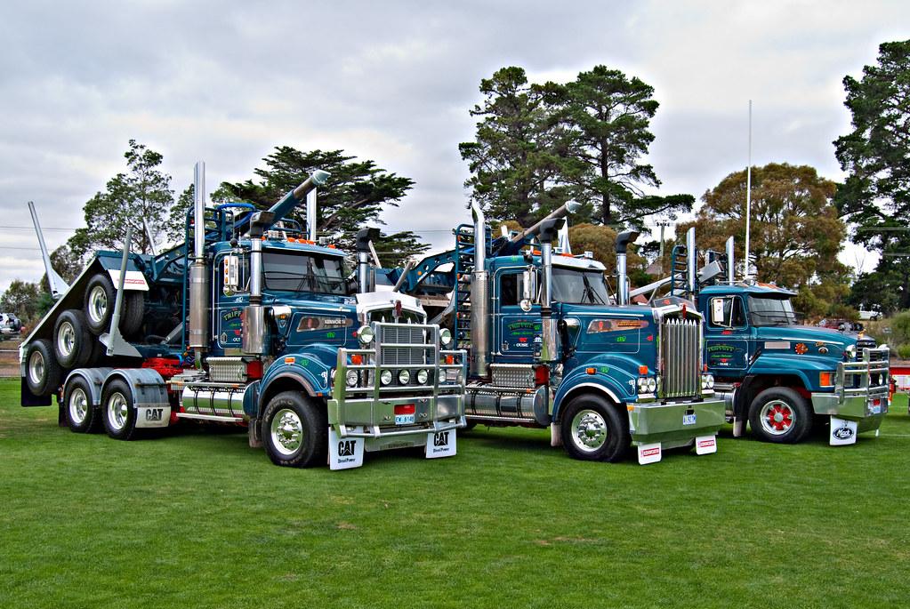 Log Trucks.   Brighton Truck and Ute Show. 09/03/10 ...