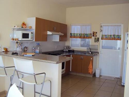 Cocina con barra desayunador fracc naranjos ii for Programa para cocinas 3d gratis