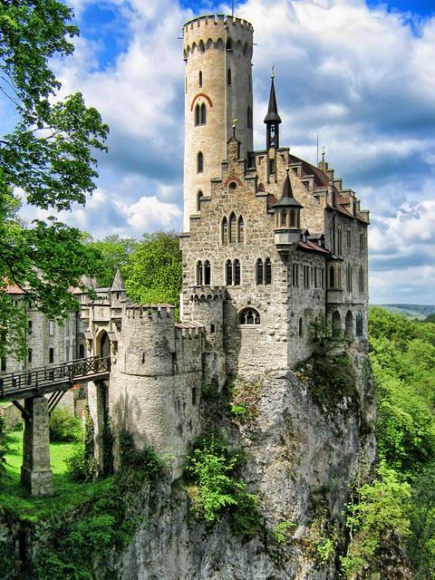 File:Schloss Lichtenstein.JPG - Wikimedia Commons