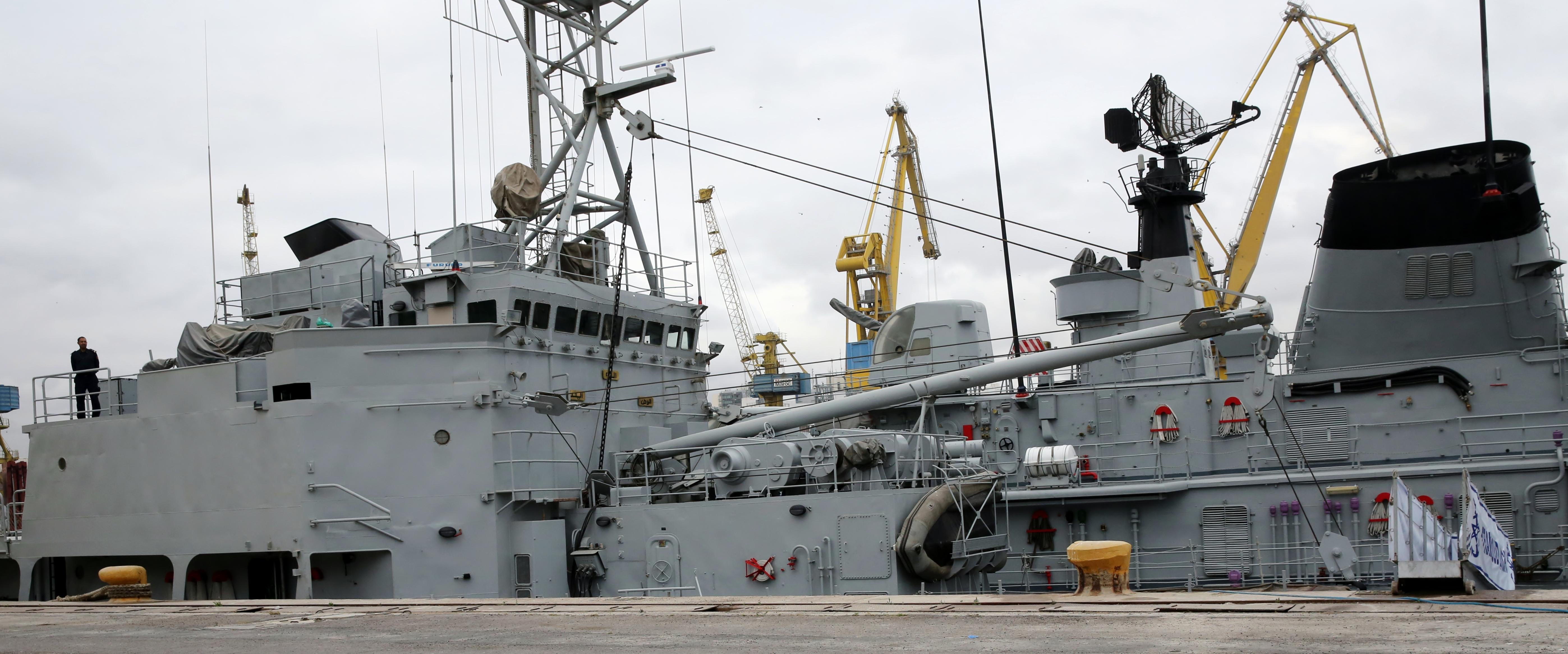 Royal Moroccan Navy Batral LST Class / Batral marocains classe Daoud Ben Aïcha - Page 4 32839716486_edc9d20ea1_o