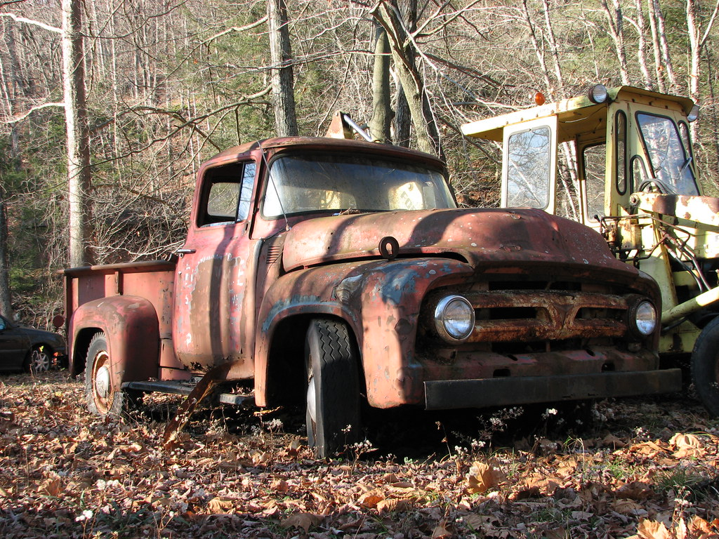 RUSTY 1956 FORD F-100 IN 2009 | Someone's old truck ...