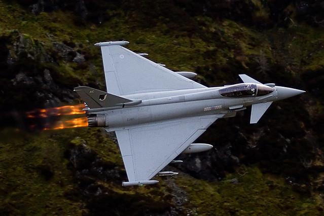 Royal Air Force recebe 17 Typhoon com melhorias