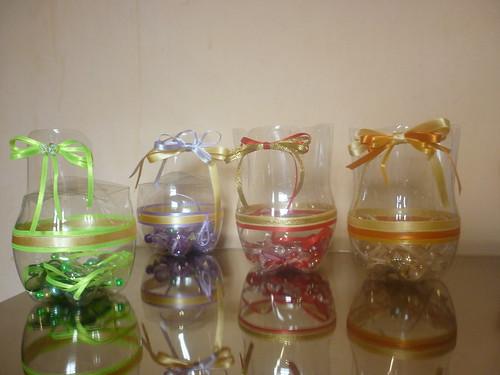 Aparador Sala De Estar ~ Artesanato garrafa pet Garrafas Pet decoradas com fitas  Flickr