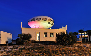 Futuro, UFO house | by Gregory Moine