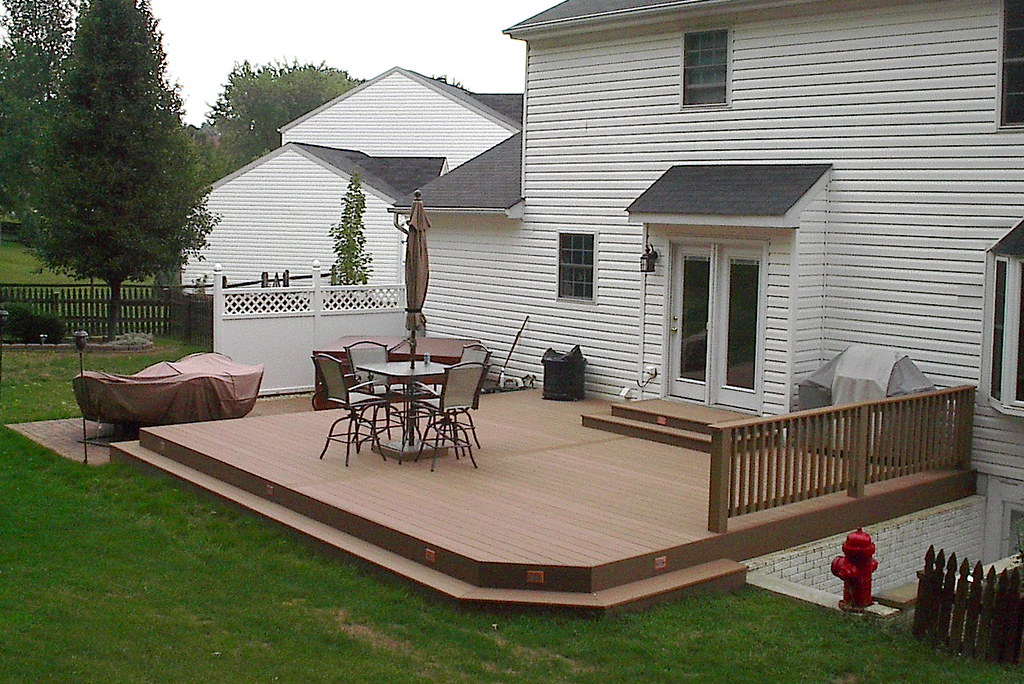 Ground level composite deck cedarbrook outdoor design for Building a composite deck