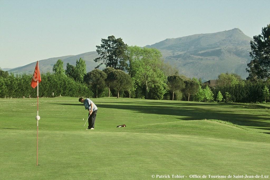 Golf office de tourisme de st jean de luz joueur de - Office de tourisme de saint jean de luz ...