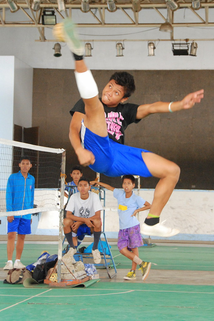 sepak takraw Net/wall sepak takraw _____ tactical skills and focus: placing ball into open space, keeping ball up with feet, setting up attacks, defensive positions and tactics.