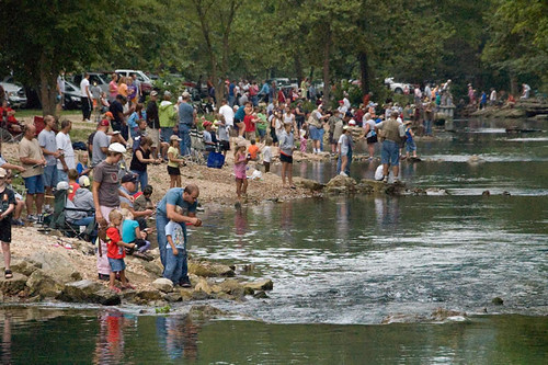 2009 kids fishing day roaring river state park for Roaring river fishing