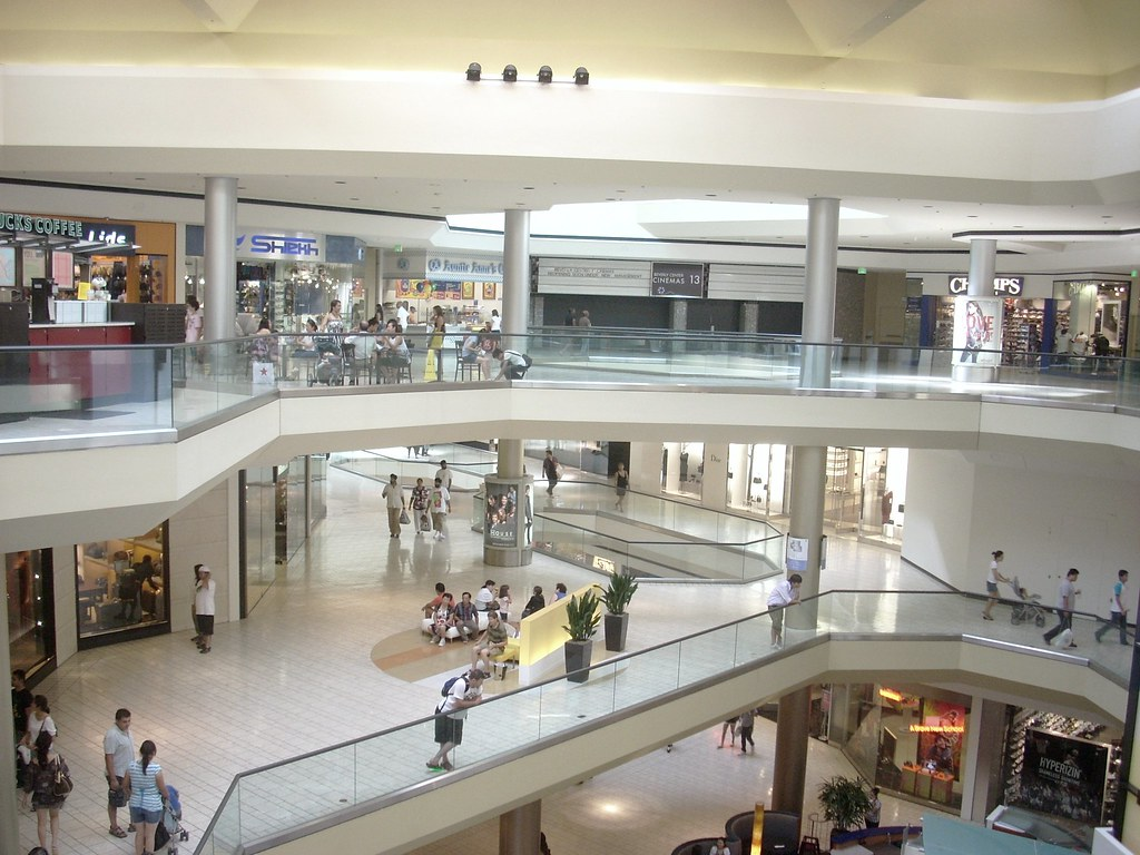 Beverly Center Mall